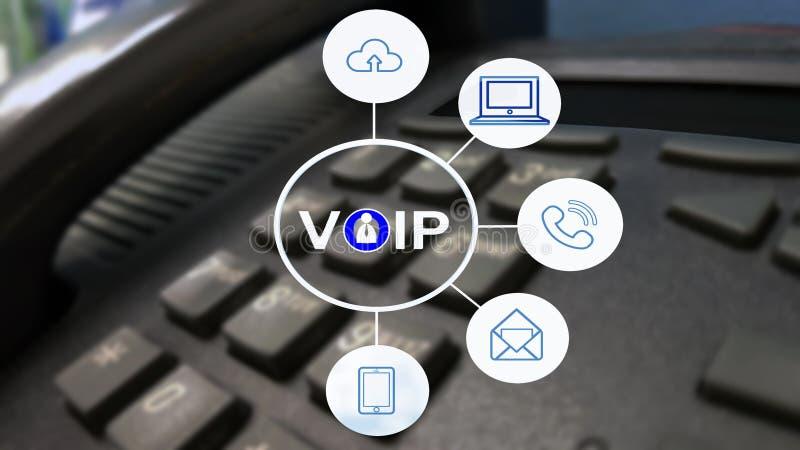 VOIP och telekommunikationbegrepp, IP-telefon som förbinder till annan VOIP apparat fotografering för bildbyråer