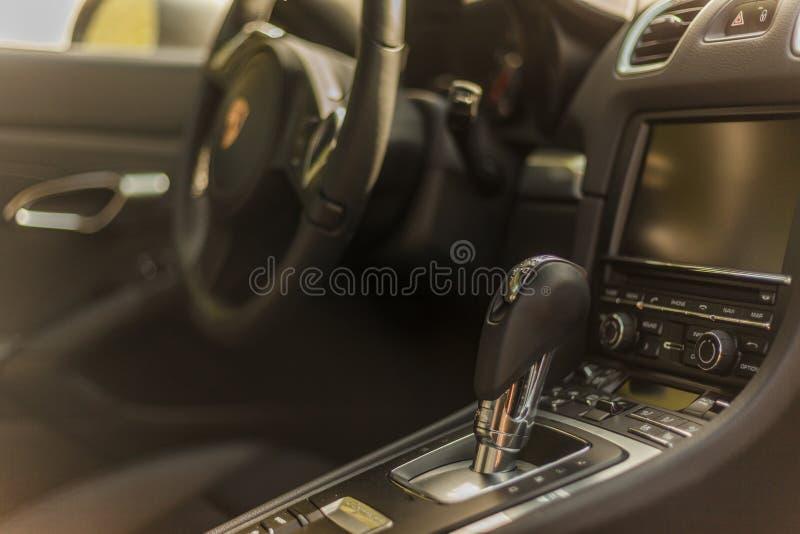 Download Voir Les Détails Intérieur De Porsche Cayman Image éditorial - Image du roues, allemagne: 77163615