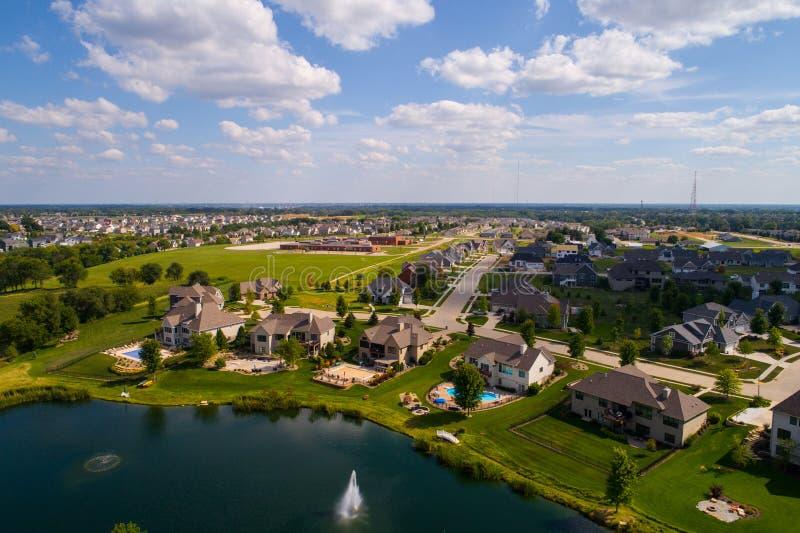 Voisinage rural résidentiel d'image aérienne dans Bettendorf Iowa photographie stock libre de droits
