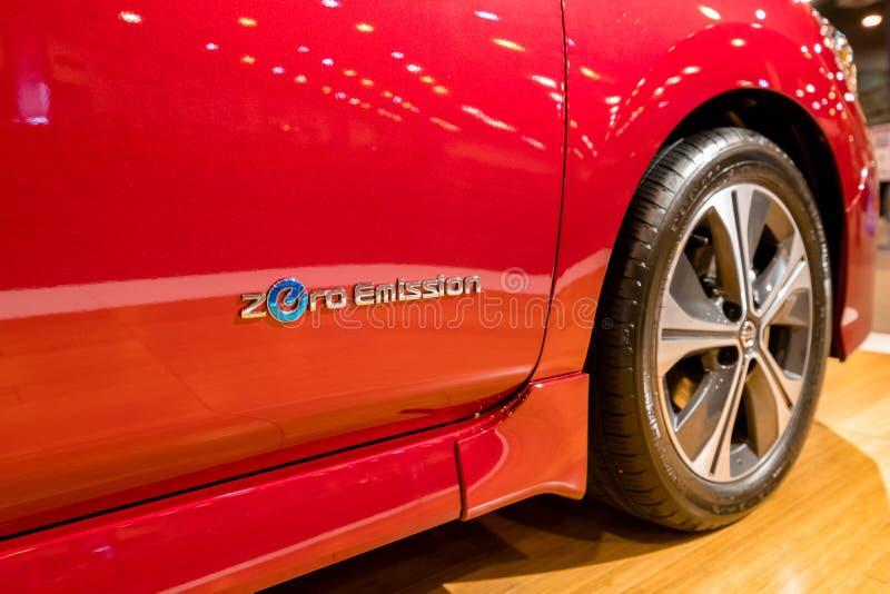 Voiture 2018 électrique de nouvelle FEUILLE de Nissan photographie stock