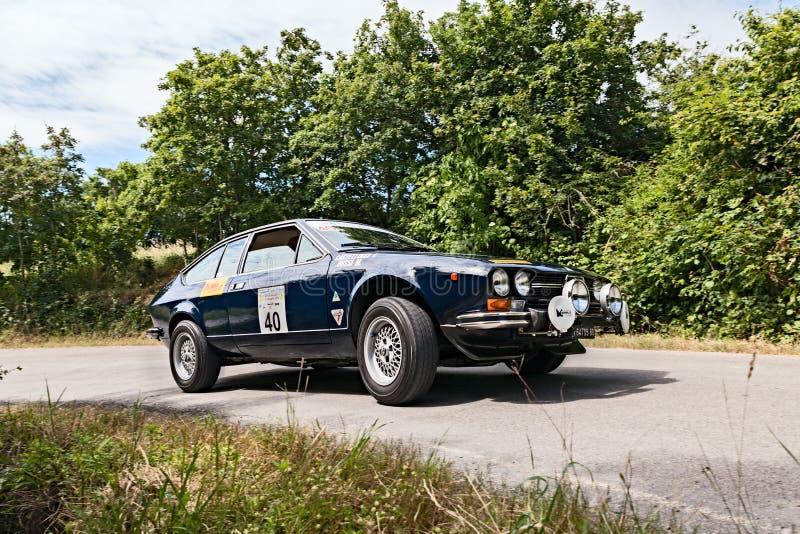 Voiture Alfa Romeo GTV 2000 de vintage photo stock