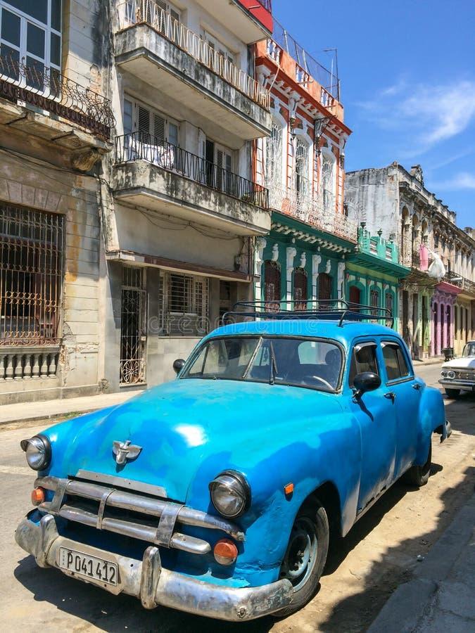 Voiture américaine classique de vintage à La Havane images stock