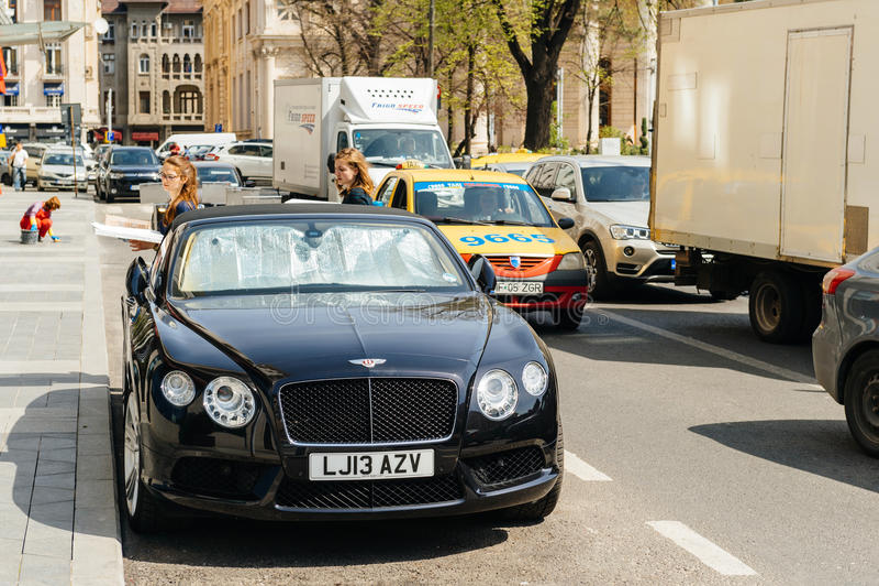 Voiture convertible de luxe de Bentley photo libre de droits