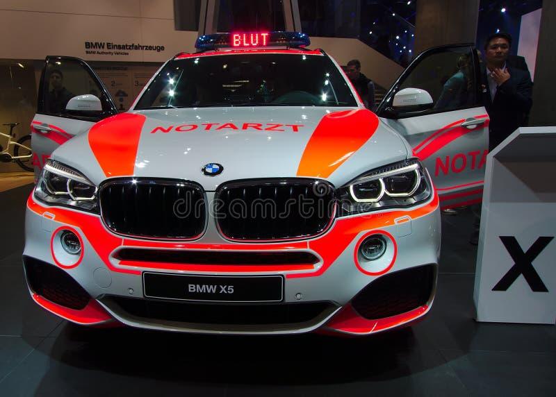 Voiture d'ambulance de BMW aux voitures d'IAA image libre de droits