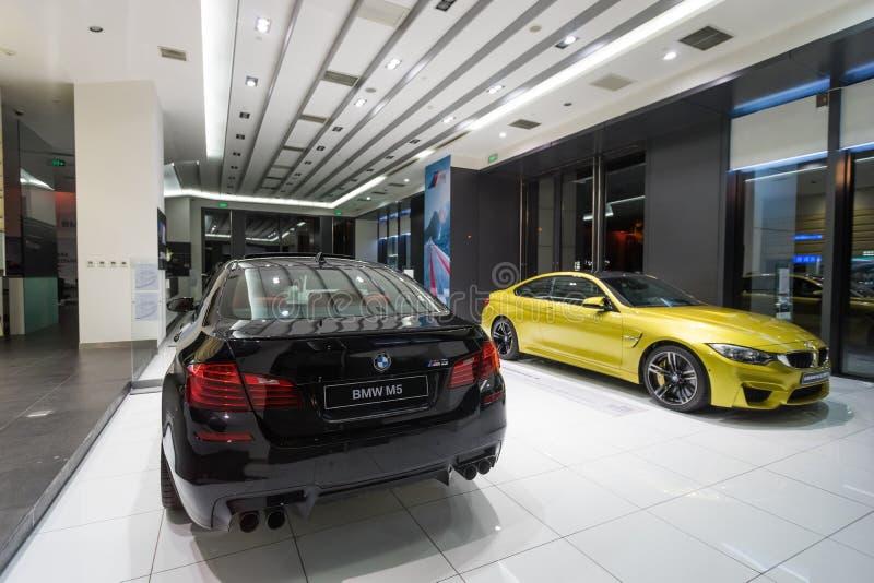 Voiture de BMW M5 à vendre images libres de droits