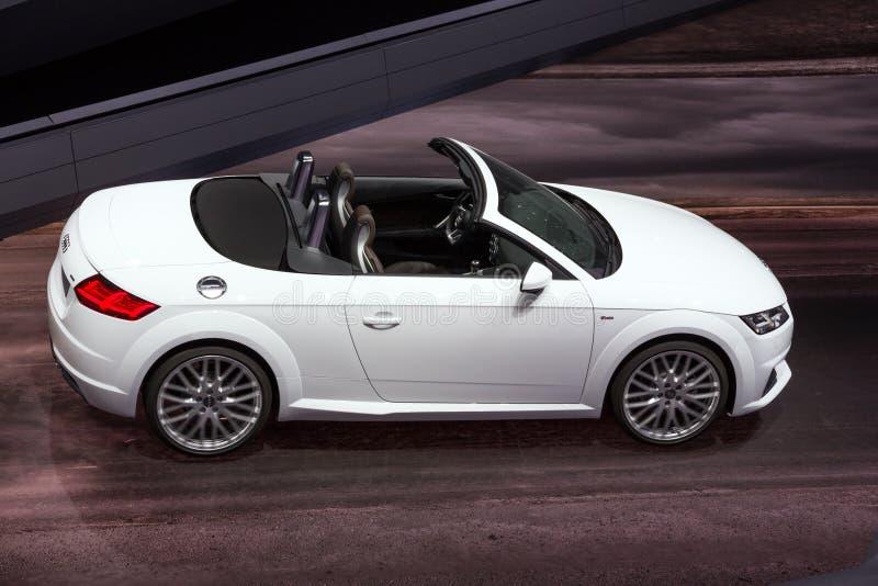 Voiture de convertible d'Audi TTT photographie stock