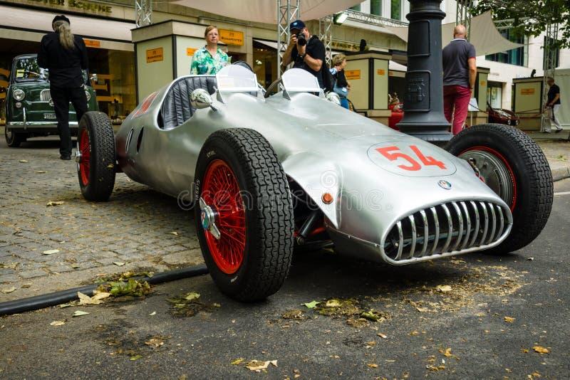 Voiture de course faite sur commande, Alfa Romeo basé et moteur de BMW 328, 1951 photographie stock