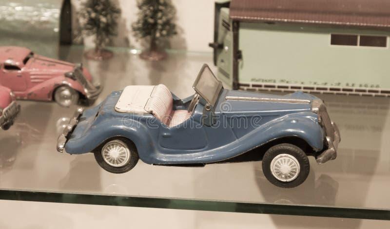 Voiture de jouet de vintage photographie stock