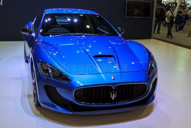 Voiture de Maserati Granturismo MC Stradale sur l'affichage photographie stock libre de droits