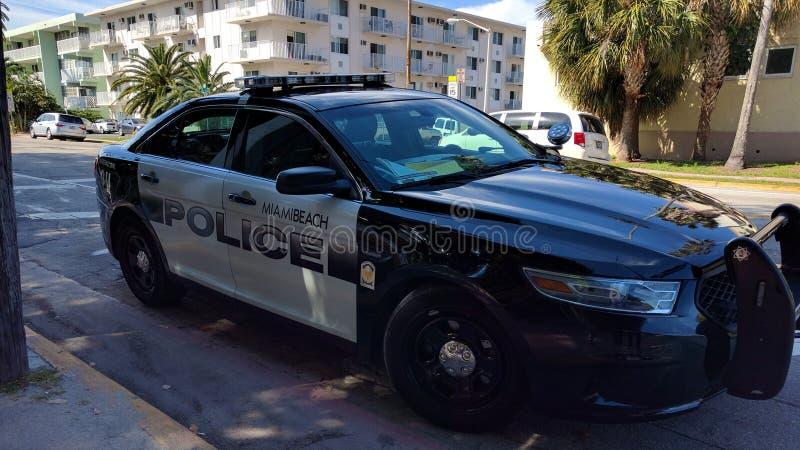 Voiture de police dans Miami Beach image libre de droits