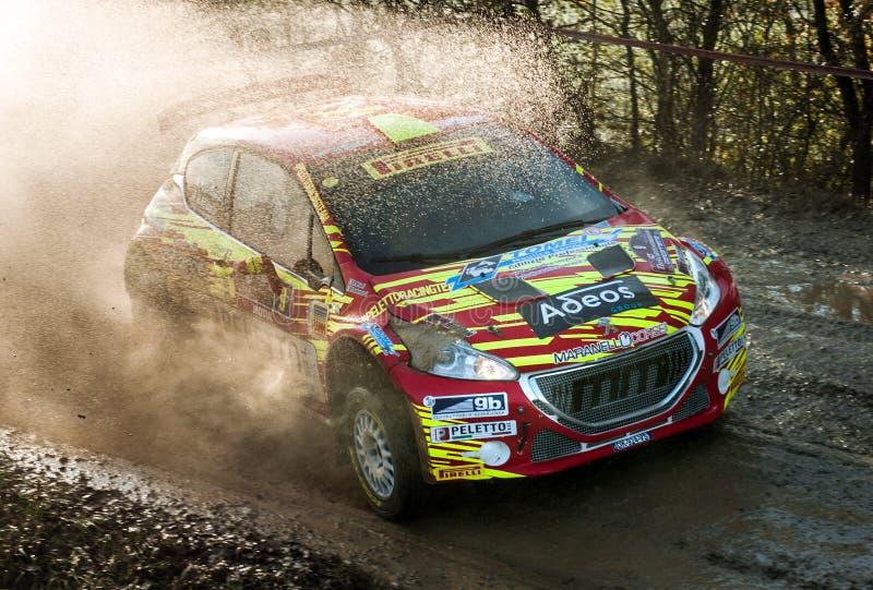 Voiture de rallye Peugeot 208 R5 en course image libre de droits