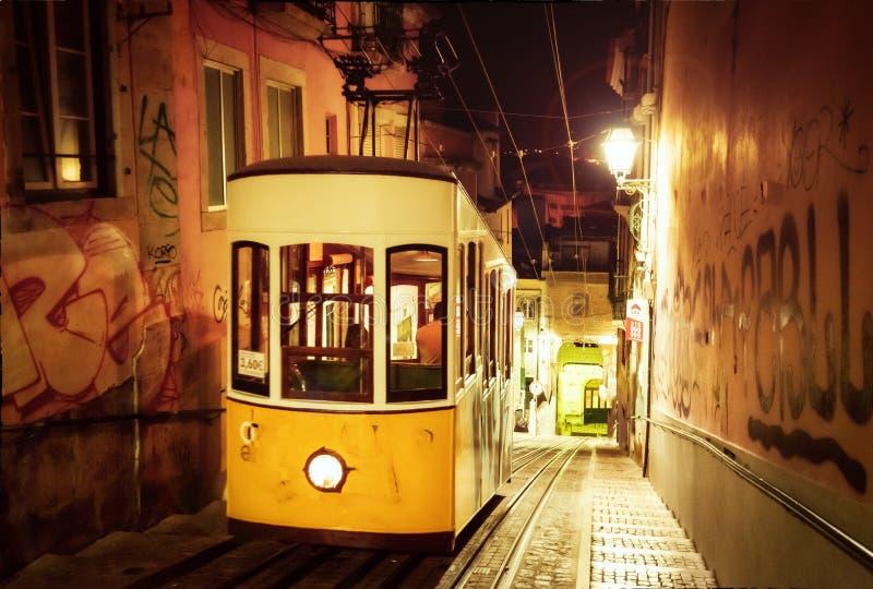 Voiture de rue de Lisbonne photographie stock libre de droits