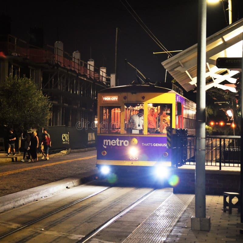 Voiture de rue de Tampa Bay Electric Company Ybor la nuit photo libre de droits