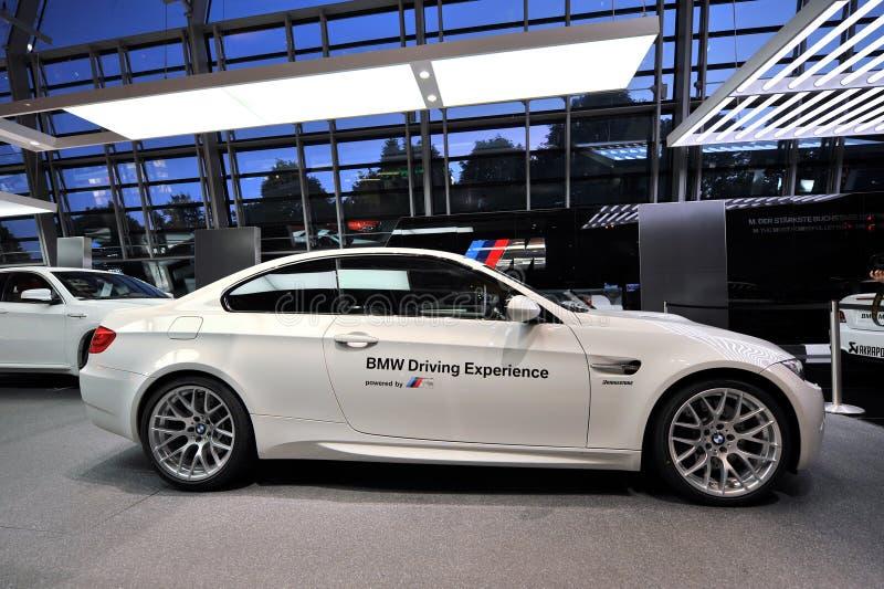 Voiture de sécurité de BMW M3 sur l affichage au monde de BMW