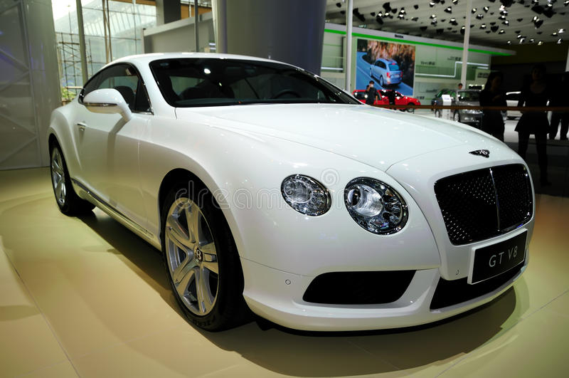 Voiture de sport de Bentley Continental GT V8 photos stock