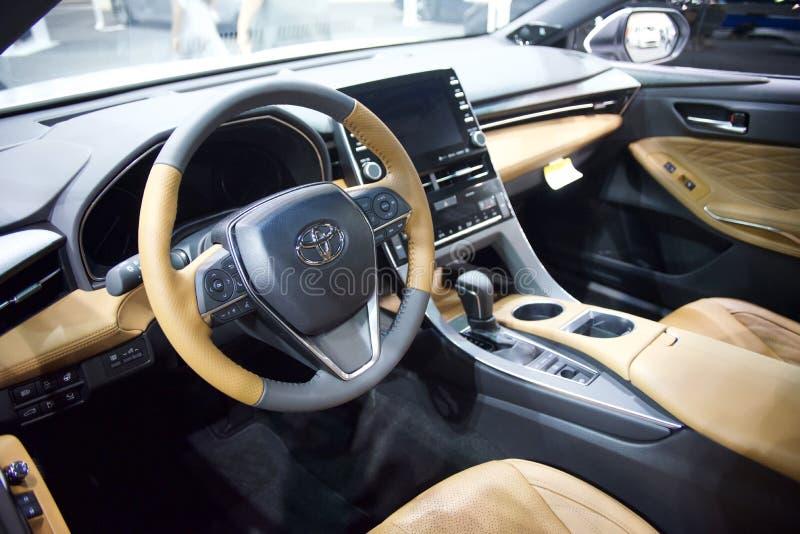 Voiture de Toyota intérieure avec le cuir images libres de droits