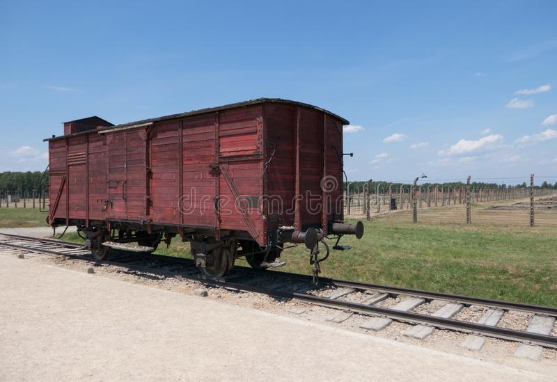 Voiture de train allemande originale à Auschwitz II Birkenau photo stock