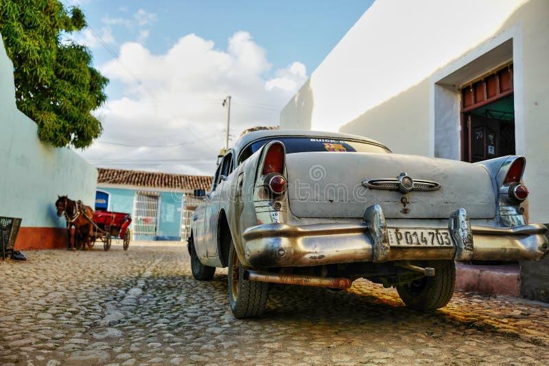 Voiture de vintage au Trinidad, Cuba photo stock