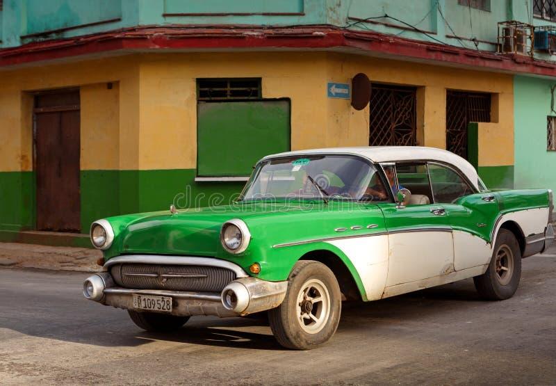 Voiture de vintage en Havana Cuba photo libre de droits