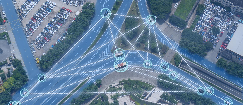 Voiture Driverless des véhicules à moteur intelligente d'Iot avec le cartel d'intelligence artificielle avec la technique d'appre images libres de droits