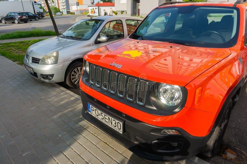 Voiture gar?e de Jeep Renegade images stock