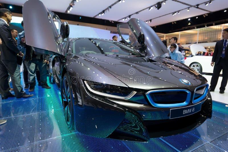 Voiture hybride de production de BMW i8 sur l'affichage image libre de droits