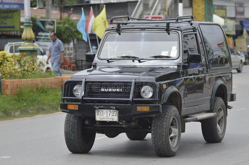 Voiture privée de route de Suzuki Off photographie stock libre de droits