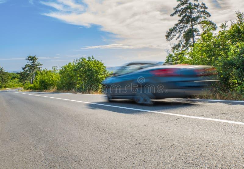 Voiture sur la route photo stock