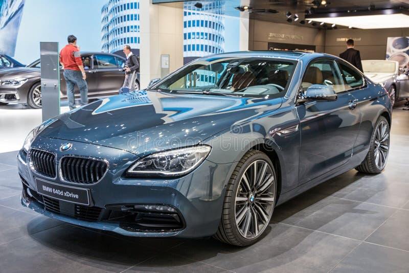 Voiture xDrive de coupé de BMW 640d photos stock
