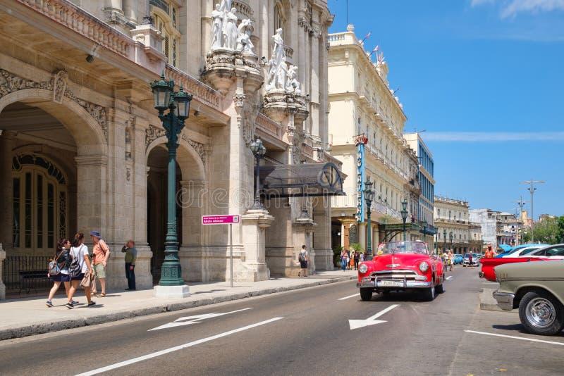 Voitures classiques à La Havane du centre images libres de droits