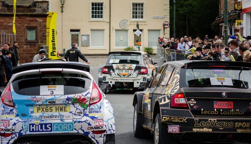 Voitures de rassemblement dans Brampton, Cumbria photos libres de droits