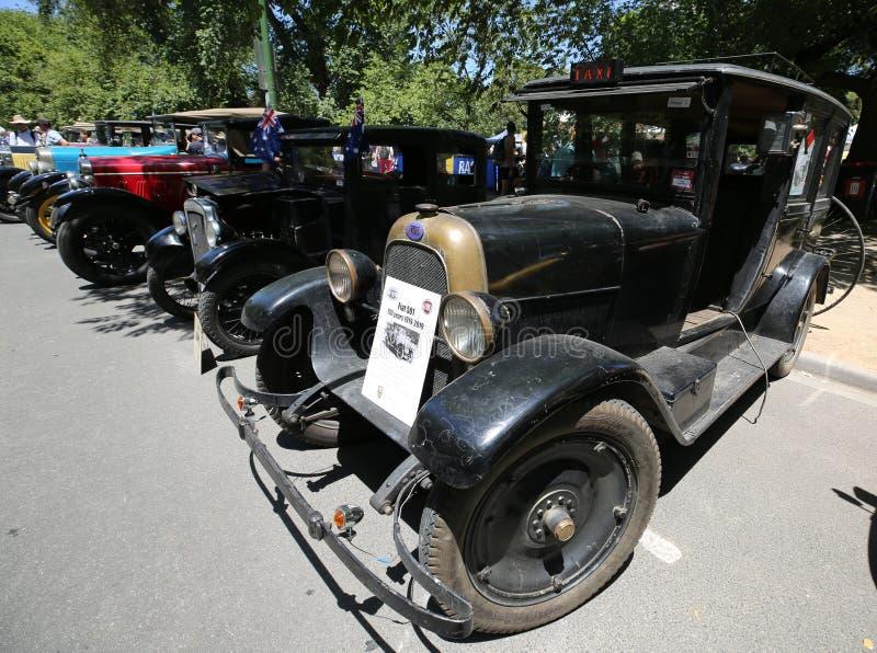 Voitures historiques de cru sur l'affichage à 2019 Automobile Club royal de l'étalage de Victoria Australia Day Heritage Vehicle images libres de droits