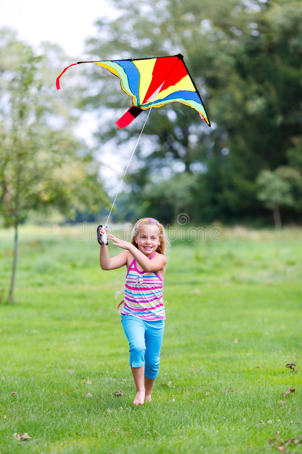 Vol de cerf-volant photos stock