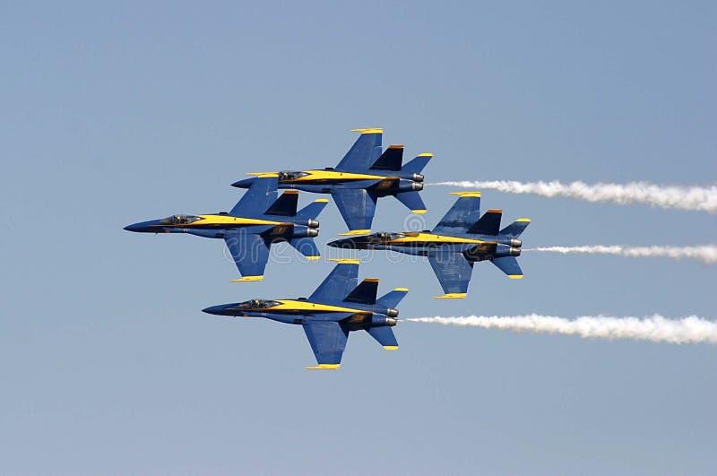 Download Vol de formation photo stock. Image du ciel, militaire - 741172