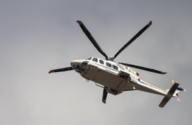 Vol italien de police de Helicoter photos stock