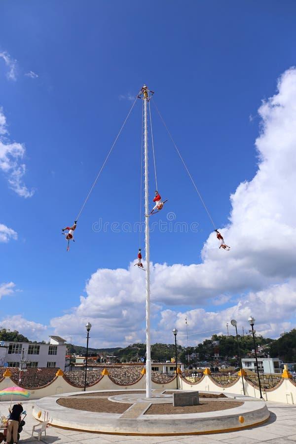 Voladores, шлямбуры Bungee от Мексики стоковое изображение rf