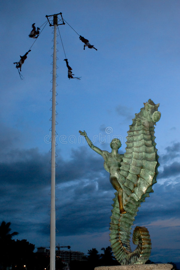 Voladores av Papantla royaltyfri fotografi