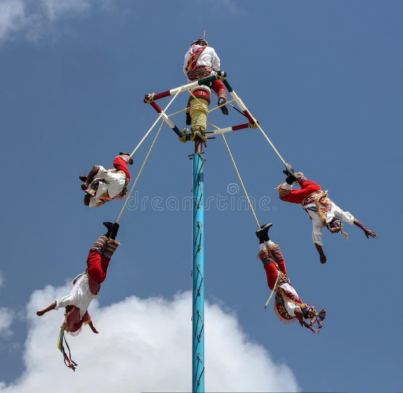 Voladores de Papantla royaltyfria foton