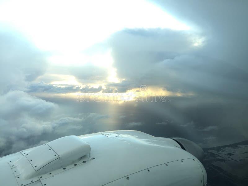 Volando attraverso la tempesta immagini stock