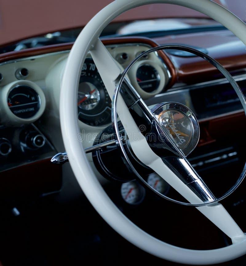 Volant classique d'automobile images libres de droits