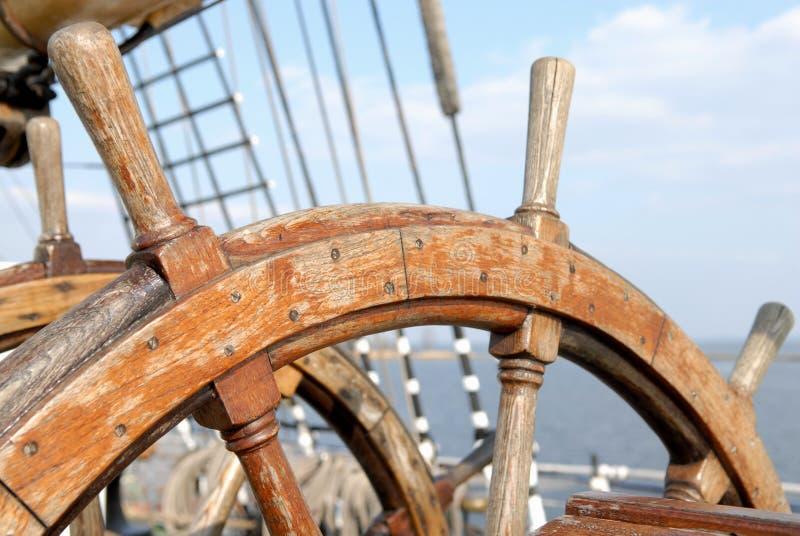 Volant de bateau images stock