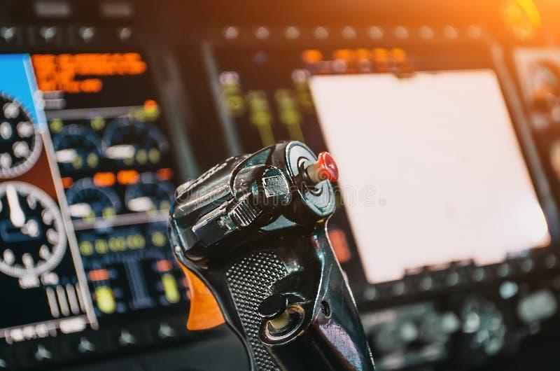 Volante, avión, cabina de control experimental del ` s, tableros de instrumentos fotografía de archivo libre de regalías