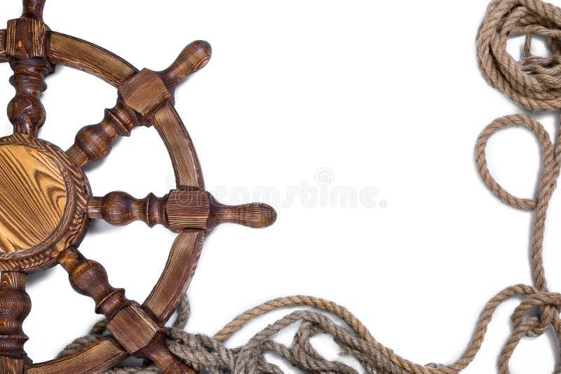 Volante con una corda su un fondo bianco fotografie stock libere da diritti