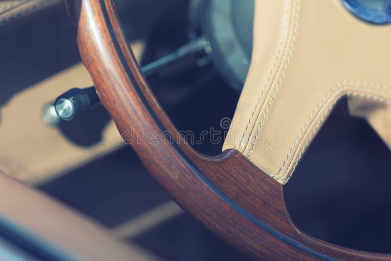 Volante de madeira imagem de stock royalty free