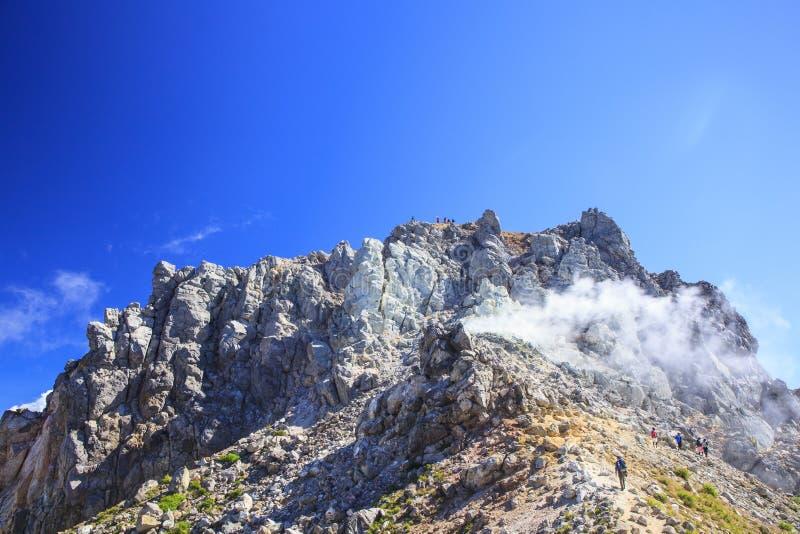 Volcán activo Mt Yakedake foto de archivo