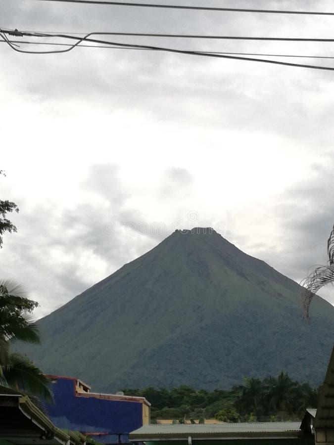 Volcán de Arenal en el La Fortuna, Costa Rica fotografía de archivo