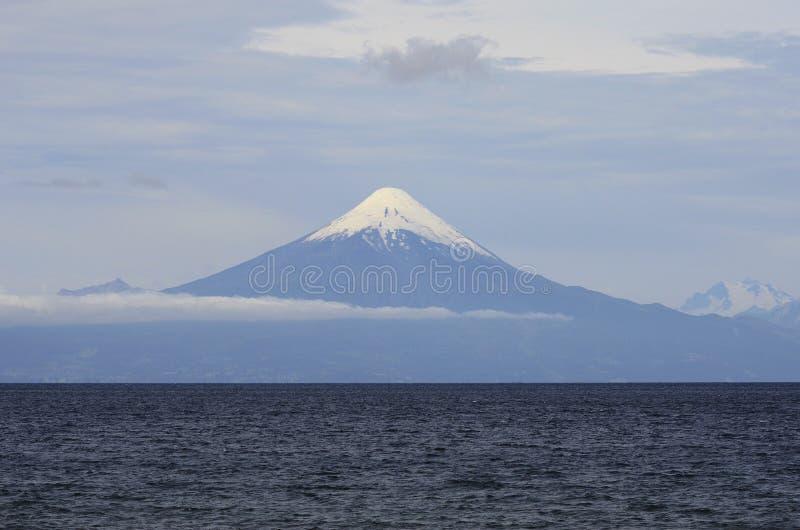 Volcán de Osorno fotografía de archivo libre de regalías