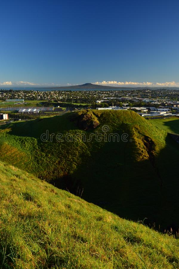 Volcán del Mt Wellington en Auckland, visión desde el top, Nueva Zelanda fotos de archivo