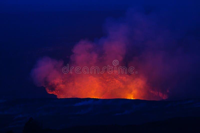 Volcan actif image stock