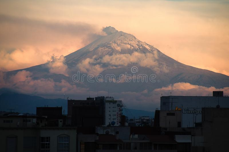 Volcan d'©petl de 'de PopocatÃÆ'à de Mexico images libres de droits
